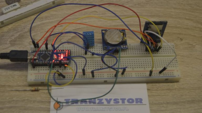 Rejestr temperatury i wilgotności z zapisam na kartę SD