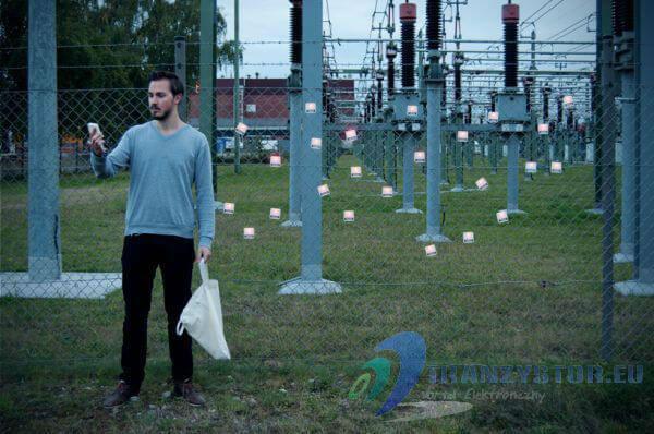 Ładowarka zasilana energią fal radiowyych