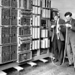 Najstarszy działający komputer na świecie czyli The WITCH w akcji.